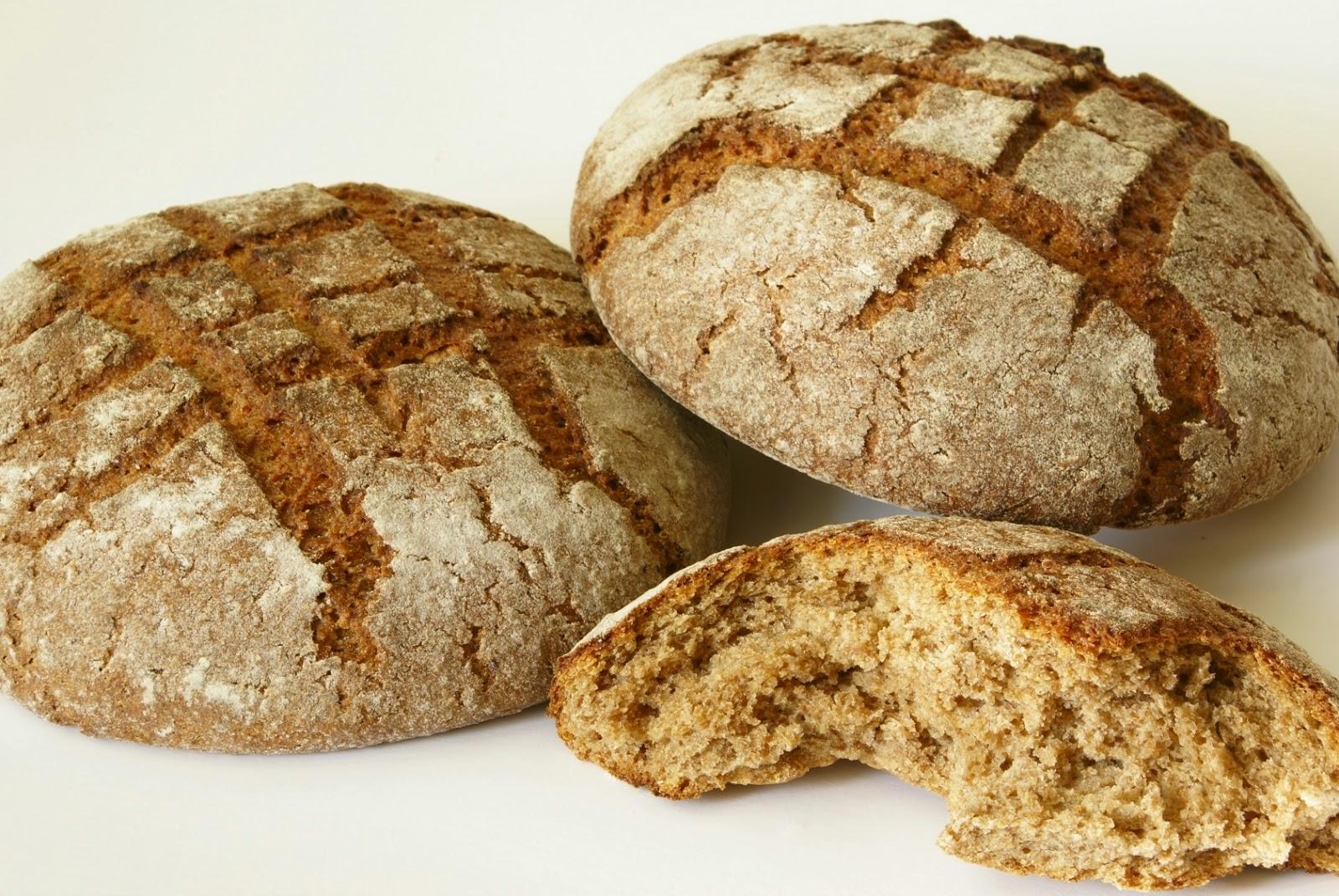 Το ψωμί παχαίνει; Πόσο νερό πρέπει να πίνουμε; Οι χυμοί είναι θρεπτικοί; Το σπανάκι και οι φακές κάνουν στην αναιμία;