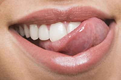 Τι πρέπει να κάνετε σε δάγκωμα ή κάψιμο, της γλώσσας ή του χείλους; Πρώτες βοήθειες