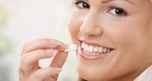 Τυρί και οδοντότσιχλες για την προστασία των δοντιών σας όταν τρώτε στο εστιατόριο