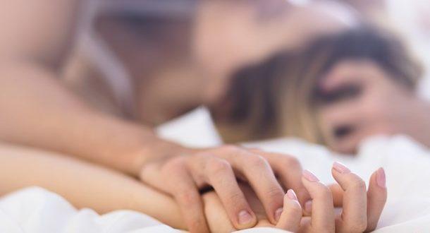 Το μυστικό για να κρατήσετε ζωντανό το πάθος στο κρεβάτι