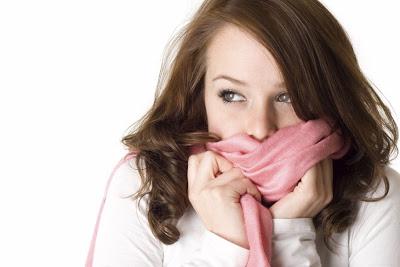 Γιατί τρέμουμε από το κρύο και τρίζουν τα δόντια μας; Τι πρέπει να κάνετε;