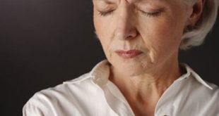 Πώς σχετίζεται ο ύπνος με το καλό σεξ στην εμμηνόπαυση