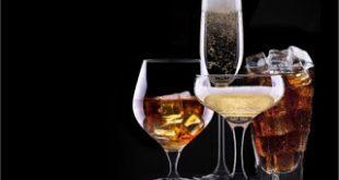 """""""Μπόμπα"""" 300 εκατ. στα δημόσια έσοδα από τα αλκοολούχα"""