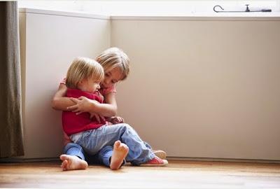 Τα παιδιά στο σπίτι σημαίνουν λιγότερο ύπνο για τις γυναίκες (αλλά όχι για τους άνδρες)
