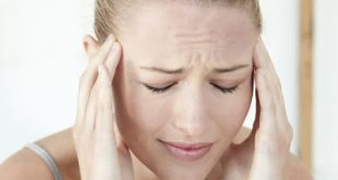 Αποτελεσματική θεραπευτική αντιμετώπιση του πονοκέφαλου. Στρες, ακατάλληλα γεύματα, διαταραχές του ύπνου, ελλιπής σωματική άσκηση σχετίζονται με κεφαλαλγία
