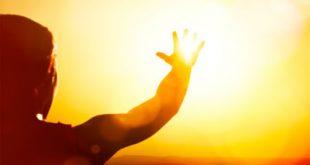 Τι συμβαίνει στο δέρμα όταν παθαίνουμε έγκαυμα από τον ήλιο;