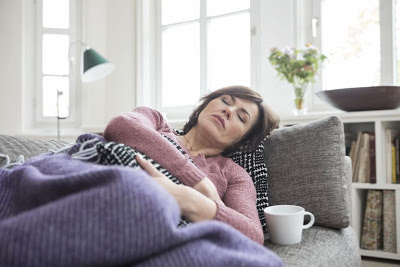Μυελοΐνωση, καρκίνος του αίματος, με πόνο στην κοιλιά, αναιμία, κόπωση, πυρετό, νυχτερινή εφίδρωση, φαγούρα. Δεν είναι κληρονομική, μπορεί να συμβεί σε οποιονδήποτε