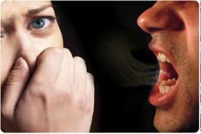 Κακοσμία του στόματος. Που οφείλεται και πώς μπορεί να απαλλαγείτε;