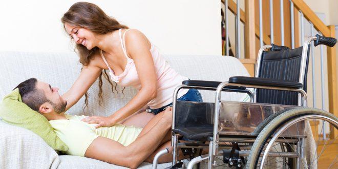 Οι «σεξουαλικοί βοηθοί» που επισκέπτονται κατ' οίκων ΑμεΑ