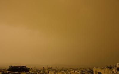 Τι περιέχει η σκόνη από την Αφρική και τι προβλήματα υγείας προκαλεί; Οδηγίες για ευπαθείς ομάδες