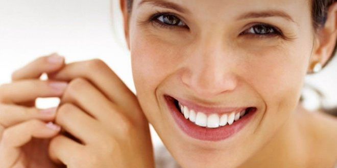 Τρεις τροφές που κιτρινίζουν τα δόντια