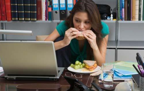Φαγητό στο χώρο εργασίας