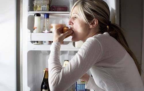 Γονίδια πίσω από το νυχτερινό άδειασμα του ψυγείου