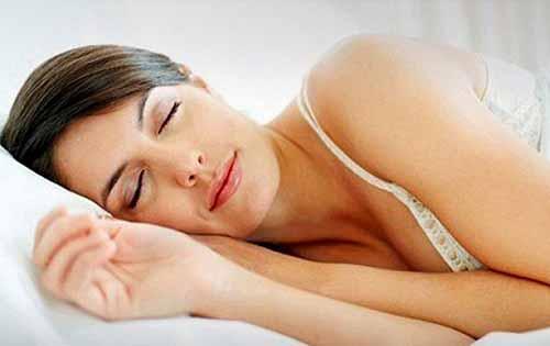Ο ύπνος βοηθά στο αδυνάτισμα