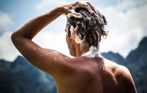 Πώς το σαμπουάν και το βερνίκι νυχιών μειώνουν τη σεξουαλική ορμή