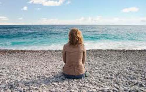 Σε τι οφείλεται και τι μπορείτε να κάνετε για την κατάθλιψη του καλοκαιριού;
