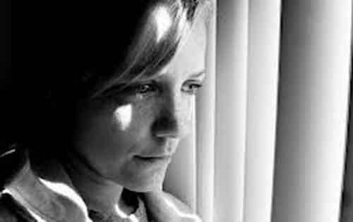 Ταχυπαλμίες, δυσφορία, ζαλάδες, αϋπνία, μελαγχολία μπορεί να οφείλονται στην κατάθλιψη, με το τέλος του καλοκαιριού;