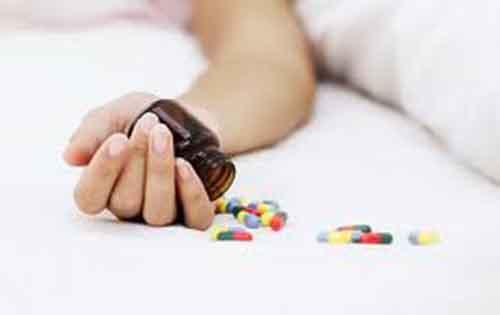 Τι προκαλεί τις αυτοκτονίες; Μύθοι και αλήθειες και ποια τα προειδοποιητικά σημεία για μια απόπειρα;