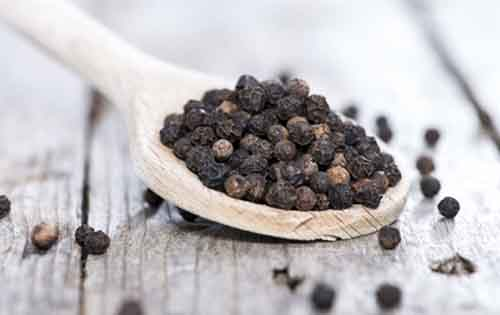 Τα μοναδικά οφέλη του μαύρου πιπεριού στην υγεία σας