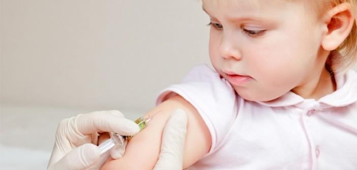 10%-15% των γονιών στην Ελλάδα δεν εμβολιάζουν τα παιδιά τους λόγω της οικονομικής κρίσης