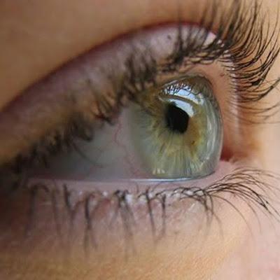 Με ποιους τρόπους φροντίζουμε τα μάτια μας, το καλοκαίρι;