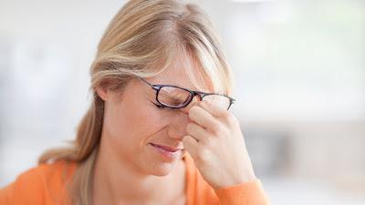 Συμπτώματα που θα σας κάνουν να ψάξετε για διαβήτη. Κράμπες, θολή όραση, απώλεια βάρους, εύκολη κούραση, υπνηλία είναιΣυμπτώματα που θα σας κάνουν να ψάξετε για διαβήτη. Κράμπες, θολή όραση, απώλεια βάρους, εύκολη κούραση, υπνηλία είναι μερικά από αυτά μερικά από αυτά