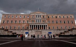 Οι φόροι, οι παγίδες και οι εκπλήξεις στο πολυνομοσχέδιο που κατατέθηκε στη Βουλή