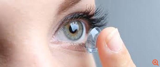 Δεν βγάζετε τους φακούς επαφής το βράδυ; Λάθος!