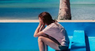 Άγχος, αϋπνία, πονοκέφαλος, ζαλάδες μπορεί να οφείλονται στην κατάθλιψη του καλοκαιριού. Διατροφή και άσκηση