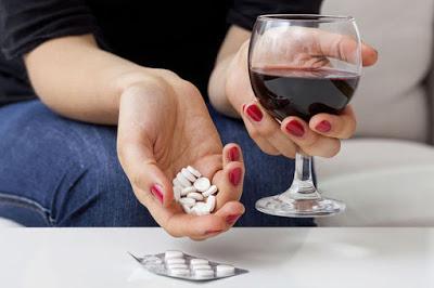 Επηρεάζεται η αντιπηκτική αγωγή από το αλκοόλ και τον καπνό; Τι πρέπει να προσέχουν όσοι λαμβάνουν αντιπηκτικά;