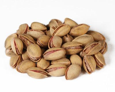 Κελυφωτά φιστίκια ή Φυστίκια Αιγίνης, μια σούπερ τροφή με μεγάλη θρεπτική αξία, κάνοντας καλό στην καρδιά, στην χοληστερίνη, στα μάτια, στην δίαιτα
