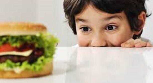 Τα σημαντικότερα λάθη που κάνουμε με τη διατροφή των παιδιών μας