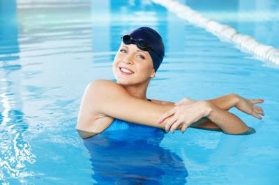 Το κολύμπι είναι υγεία. Η κολύμβηση κάνει καλό στην καρδιά, στους πνεύμονες, στους μυς, μειώνει το άγχος, δροσίζει