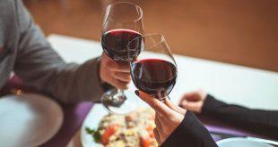 Αλκοόλ: Σε ποια ποσότητα είναι ευεργετικό για την υγεία ανδρών και γυναικών