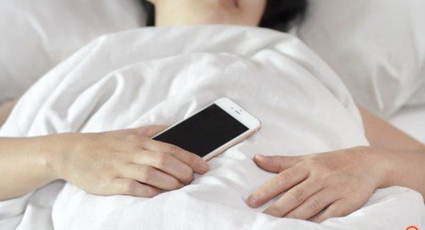 Κλείστε το κινητό για να κοιμάστε καλύτερα!