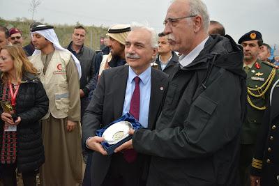 Ο Πρόεδρος του Ελληνικού Ερυθρού Σταυρού στην τελετή εγκαινίων στο νέο χώρο φιλοξενίας προσφύγων στο Κουτσόχερο Λάρισας