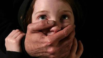 Τα παιδιά που βιώνουν ή γίνονται μάρτυρες σωματικής κακοποίησης δυσκολεύονται να αγαπήσουν, εμφανίζουν αγχώδεις διαταραχές, κατάθλιψη