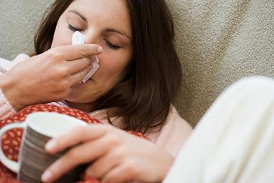 Απλές συμβουλές για να προστατευτείτε από τις ιώσεις και την γρίπη. Διατροφή και άσκηση συμβάλλουν στην πρόληψη