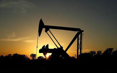 Έπεσε το πετρέλαιο στις αγορές, χαμηλότερα από τα μέσα Δεκεμβρίου