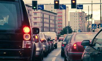Μεγαλύτερο κίνδυνο εκδήλωσης άνοιας διατρέχουν όσοι ζουν δίπλα σε δρόμους μεγάλης κυκλοφορίας