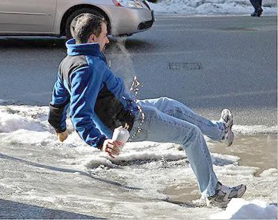 Πώς περπατάμε στο χιόνι και στον πάγο, αποφεύγοντας το γλίστρημα και την πτώση