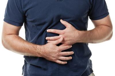 Τροφική δηλητηρίαση, ποια τα συμπτώματα από χαλασμένο φαγητό και τι πρέπει να κάνετε;