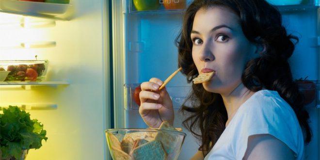 Οι νυχτερινοί τύποι τρώνε λιγότερα υγιεινά από τους πρωινούς