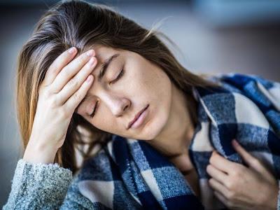 Σύνδρομο Χρόνιας Κόπωσης, με διαρκή κούραση, πόνο στους μυς, πονοκέφαλο, αδυναμία συγκέντρωσης
