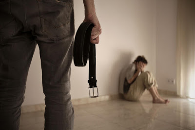 Το δόγμα του σοκ, η βία (πολιτική, ψυχολογική, κοινωνική) ως όπλο για να σε εξαναγκάσουν να δεχτείς αλλαγές, χωρίς αντίδραση