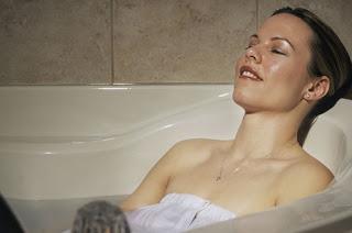Βαριέστε το γυμναστήριο; Κάνετε ένα ζεστό μπάνιο!