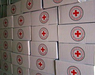 Διανομή εκατοντάδων δεμάτων από τον Ελληνικό Ερυθρό Σταυρό σε ευάλωτες ελληνικές οικογένειες της Θεσσαλονίκης