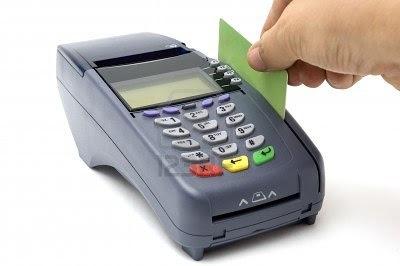 Κίνδυνος για βαρύ χαράτσι σε εκατ. πολίτες με το «πλαστικό χρήμα»