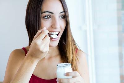 Οι ευεργετικές ιδιότητες του γιαουρτιού. Βοηθήστε την δίαιτα σας τρώγοντας γιαούρτι