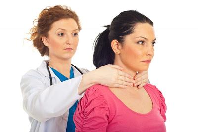 Ο υποθυρεοειδισμός μπορεί να ξεκινά από μια ανεξήγητη αδυναμία και να φτάνει στο κώμα ή και στο θάνατο